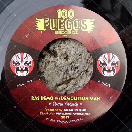 Ras Demo aka Demolition Man - Some People